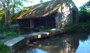 Le pont près du lavoir de Chantemerle